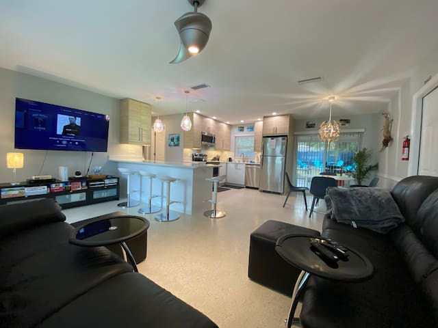 🌈 Eco-Friendly 🌈 Modern Rainbow River Spring House