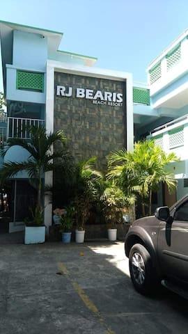 RJ BEARIS BEACH RESORT VIP ROOM