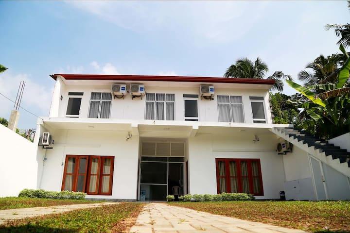 Dream Paradise Entire Villa - Weligama