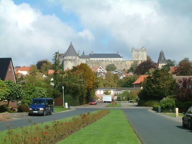 Straßenansicht Schlossblick