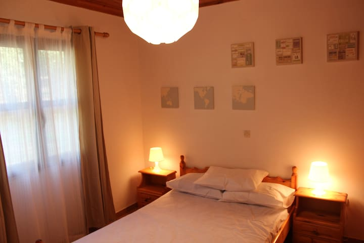 Nelki's house (3) - just 100 m. from the beach - Koroni - บ้าน