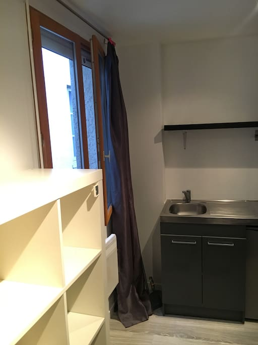 studio 12m2 calme au coeur de toulouse appartements louer toulouse. Black Bedroom Furniture Sets. Home Design Ideas