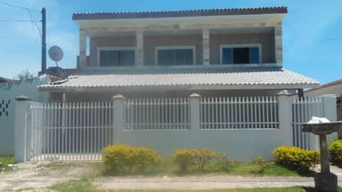 Great villa in Guaratuba with a pool