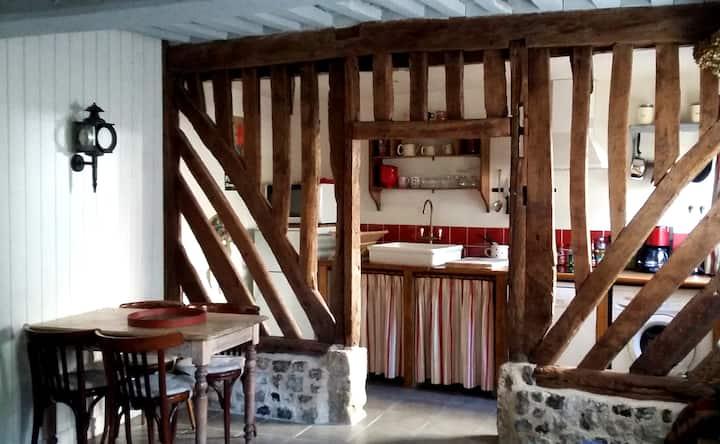 Lovely cottage in Honfleur center
