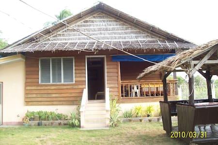 Panique Cove Beach Resort - Odiongan, Romblon - Bed & Breakfast