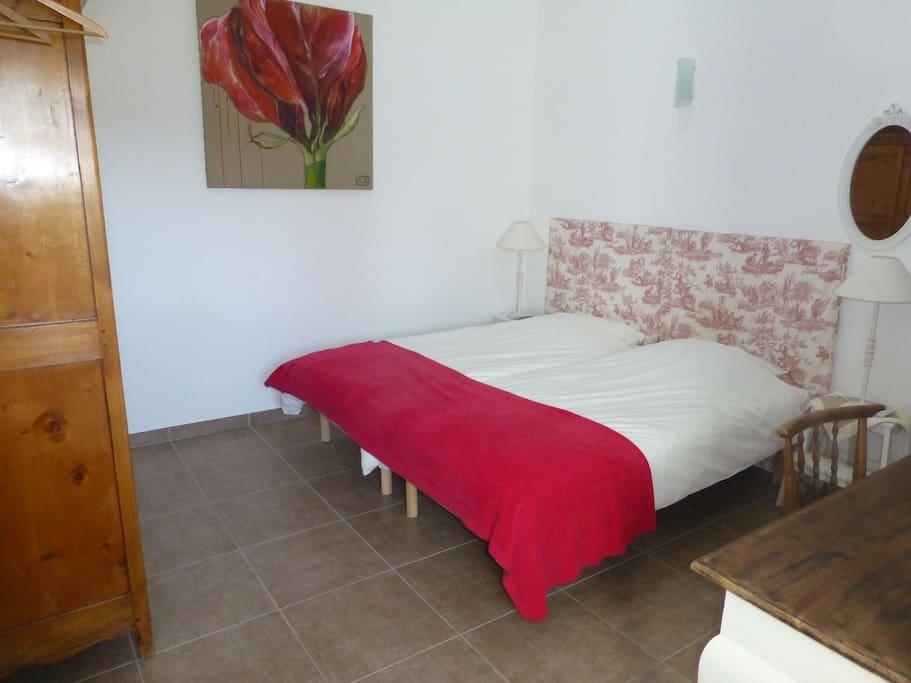Nature et calme 3 km des remparts chambres d 39 h tes for Avignon chambre d hotes