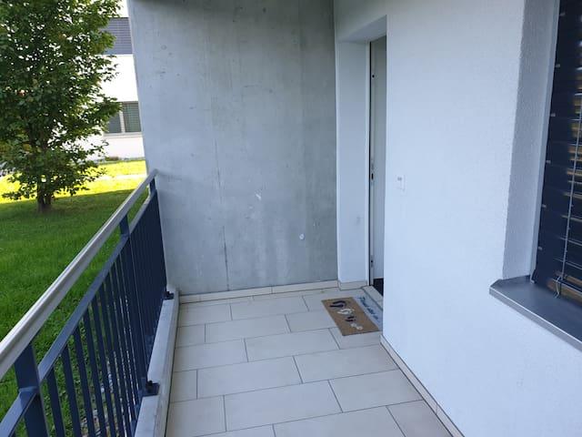 Privatzimmer in Neu-Wohnung