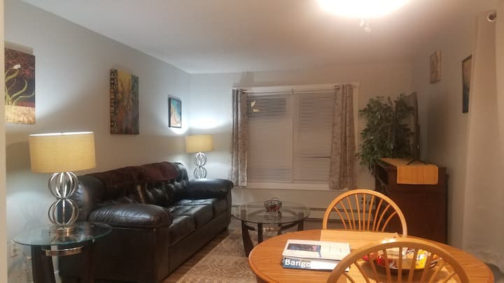 Bangor- Extended Stay, Entire 1 Bedroom Apartment