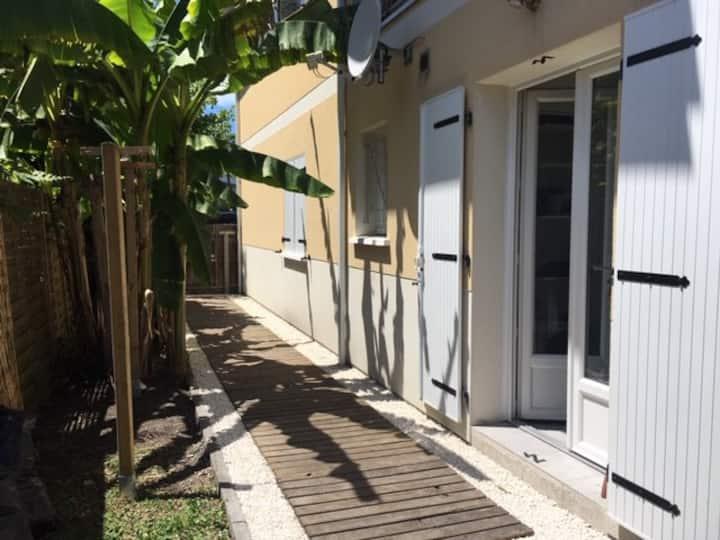 Appartement neuf avec jardin proche de la plage
