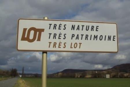 PIED A TERRE 2 CHAMBRES PRES DE CAHORS HISTORIQUE - Cahors - Διαμέρισμα