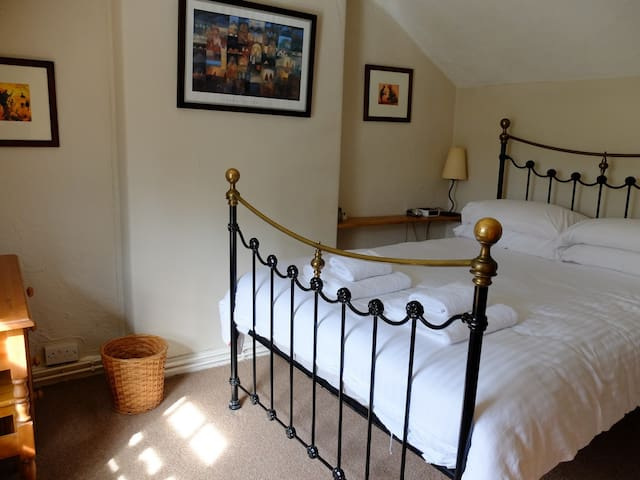 Bed 1 - Double bedroom with dressing table on left