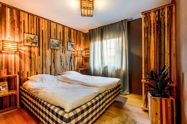 Lavish Holiday Home in Spaubeek with Turkish Cabin