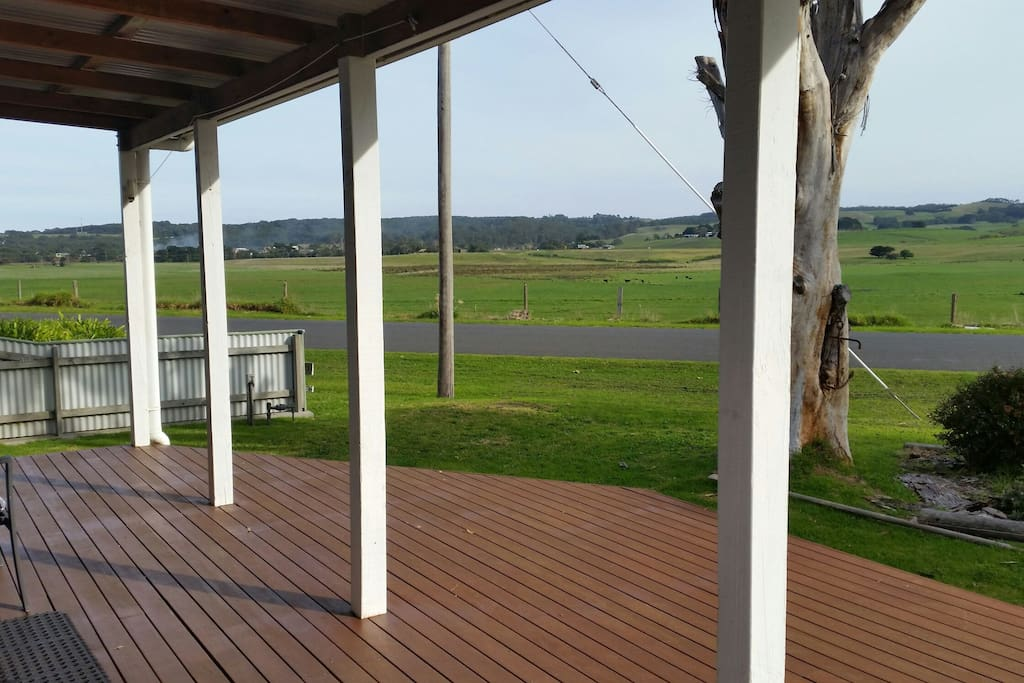 breathtaking Valley views from the front verandah