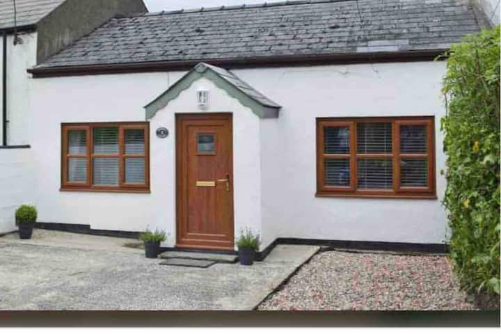 Greenfield Cottage- an oasis of calm near Narberth