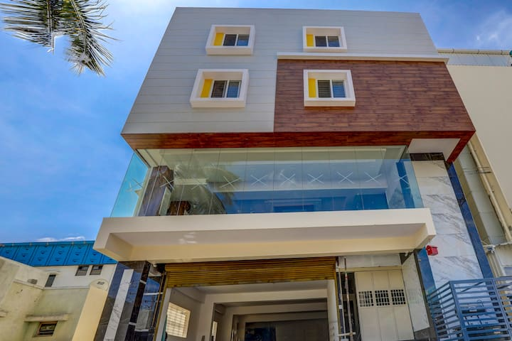 OYO Special Offer! Elegant 1BR Home in Bangalore