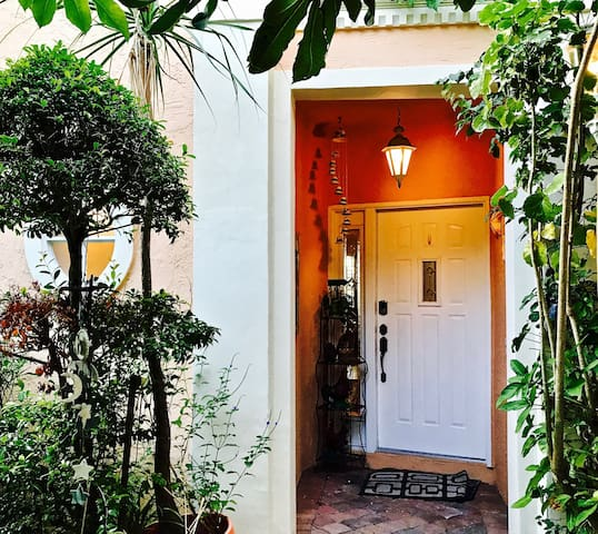 Private and Luxurious Mediterranean Villa