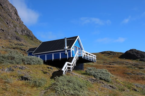 Isikkivik - a warm place in a cool country