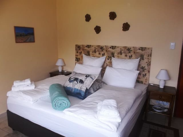 Haus Perlenblick B&B - Paarl - Bed & Breakfast