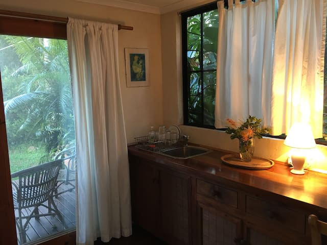 Self contained Studio, Byron Bay - Byron Bay - Huoneisto