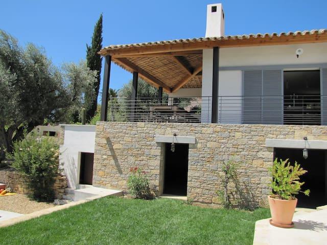 Villa d'architecte proche de la mer - Saint-Cyr-sur-Mer