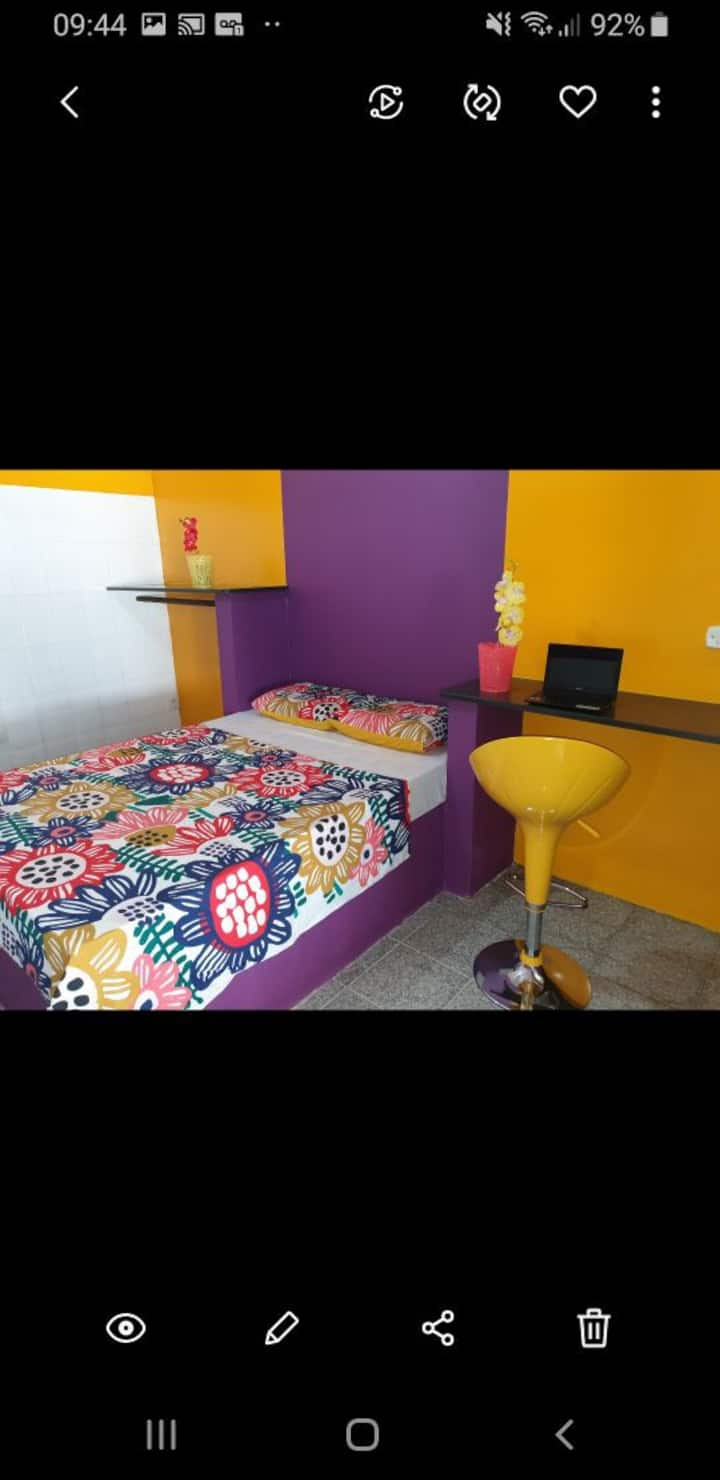 Suite entrada privada e banheiro privativo