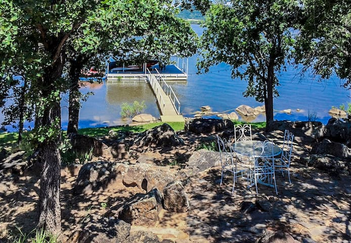 Granny's Cottage on Lake Palo Pinto