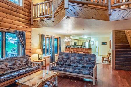 Log Gables, Lake Front Townhouse - Open Loft Style