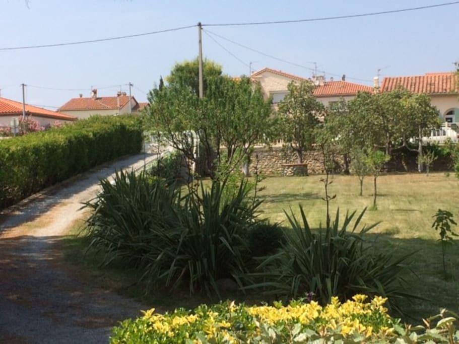 appartement plein ciel avec parking et jardin in le boulou occitanie france. Black Bedroom Furniture Sets. Home Design Ideas