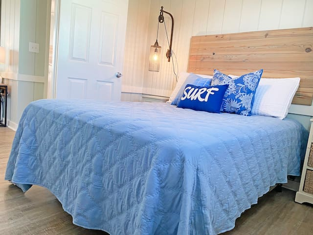 The surf room features a double bed.