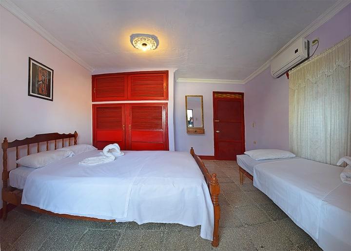 Hostal Dra Niurmis independent room