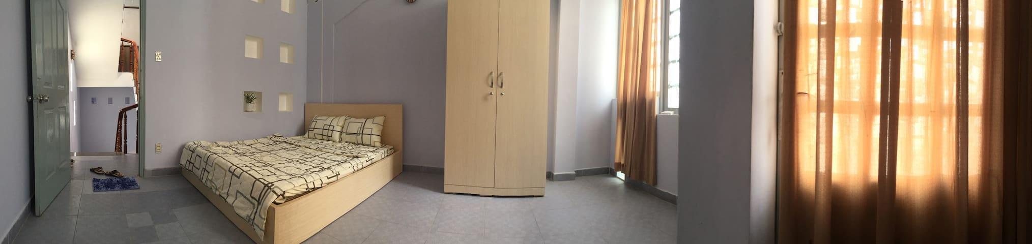 New, reasonable, private medium rooms, Dist 3