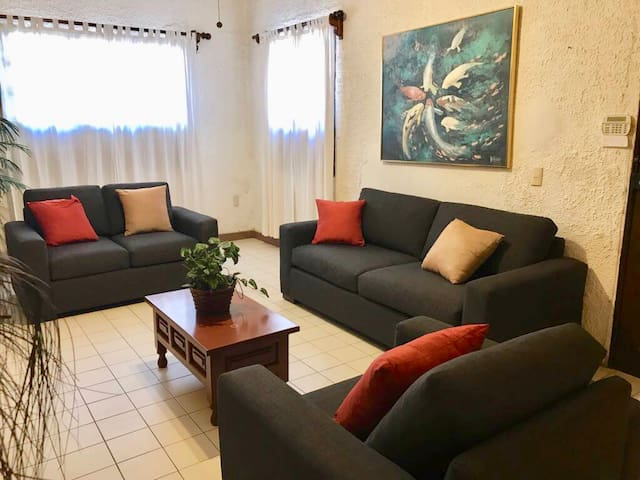 Oceanside, spacious apartment