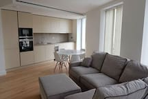 Superb Central London Zone 1 Modern 2 Bed Flat