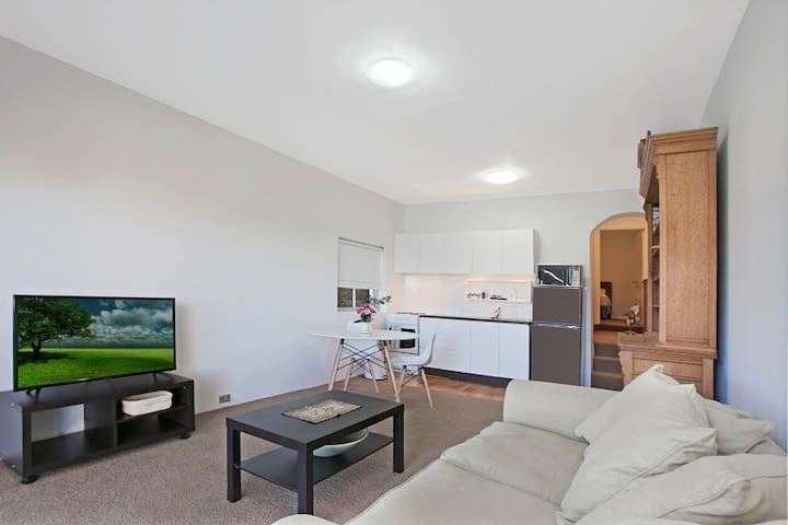 Bronte and Clovelly Beach Apartment w/ Pool - Bronte - Lakás