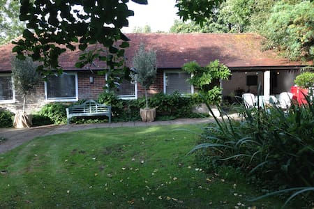 The Studio - beautiful countryside retreat for 2 - Bed & Breakfast