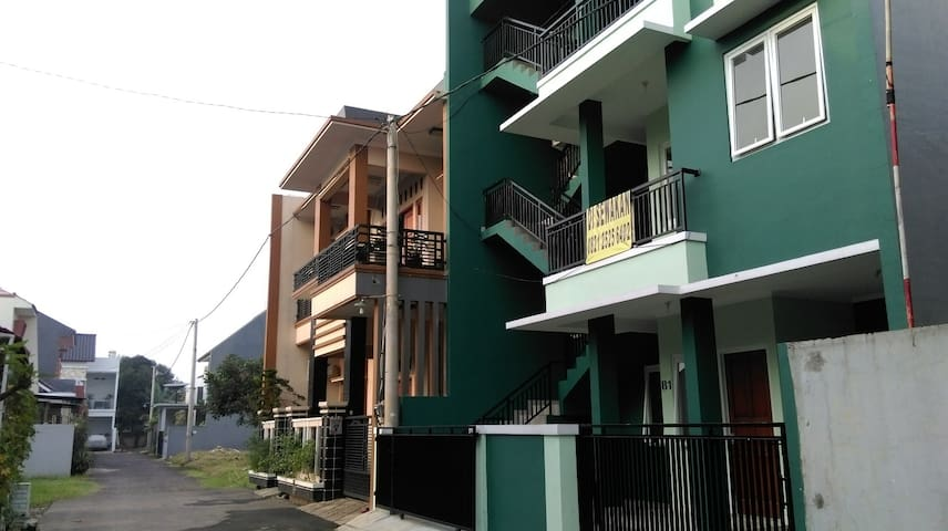 Entire 3rd Floor with private stairs with 3 BR
