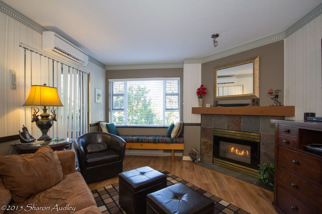 Comfortable window seat with view to valley trail