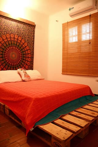 Cozy 1 Br in bohemian Getsemani, Walled City - Cartagena