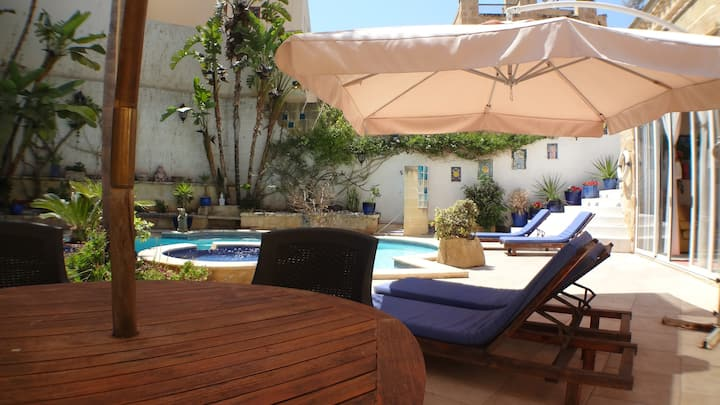 507 Extraordinary Private Villa