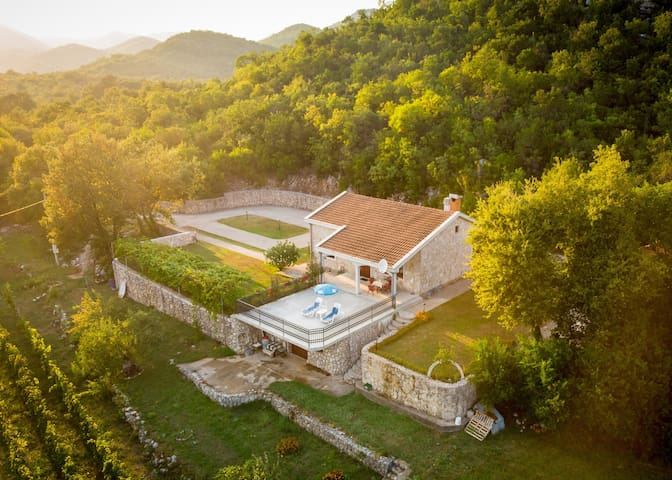 Amazing Stone house at Skadar lake with pool