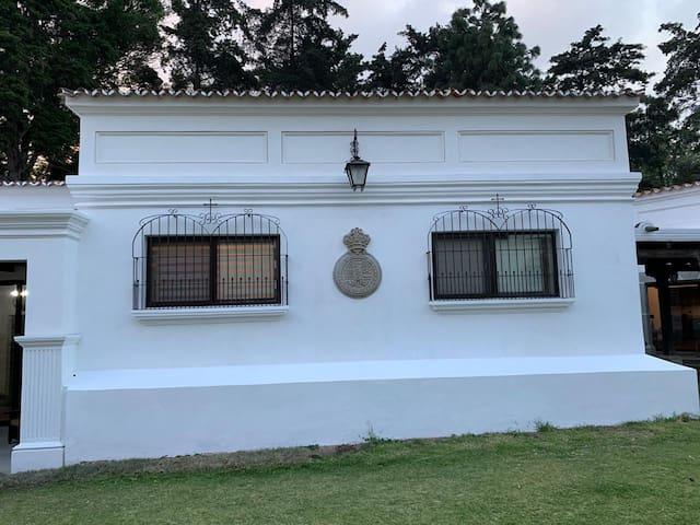 Beautiful 3 bedroom + kitchenette in Antigua