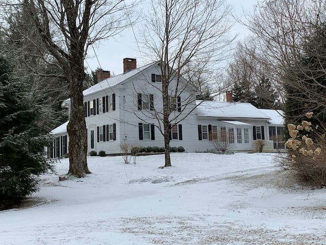 3.5 bed classic country home in Litchfield CT