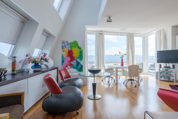 Lakeview Penthouse loft in the heart of Thalwil