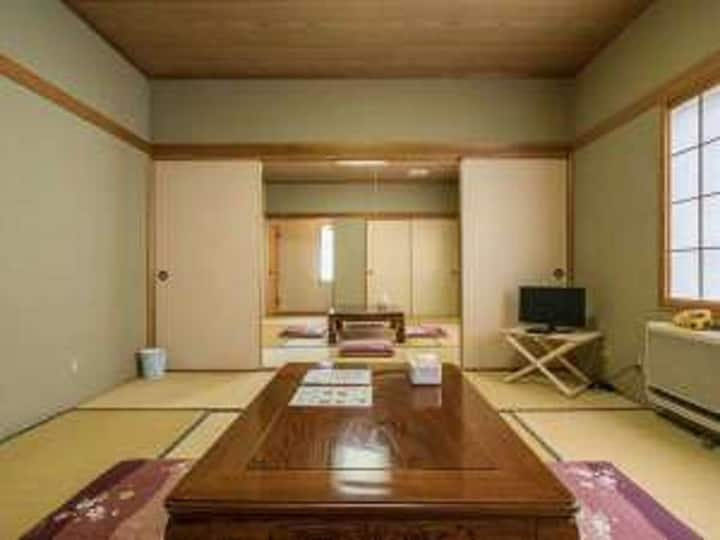 Pure Japanese Style 2 Room (Large Room)No Smoking