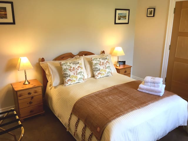 Double Deluxe Room with Ensuite