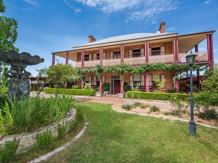 Blackman's Manor (Mudgee CBD)- Prestige Estate