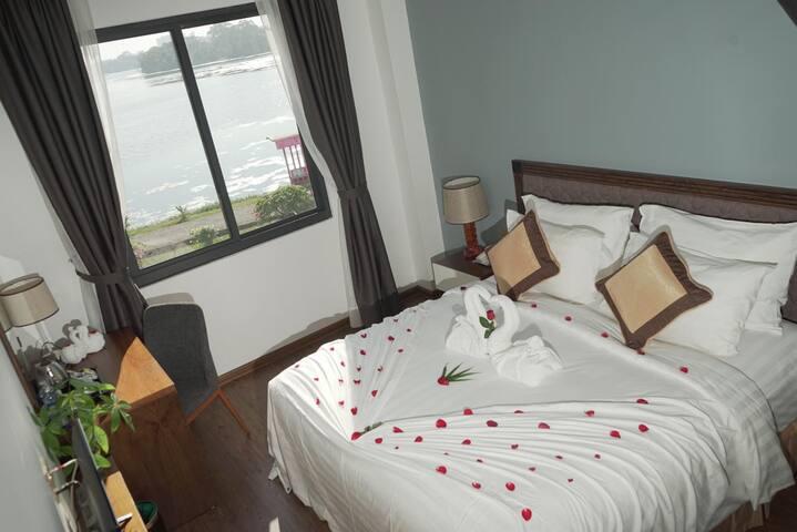 Sen Yangon Lake View Hotel*Breakfast Included