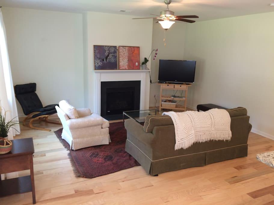 Cozy, open living room