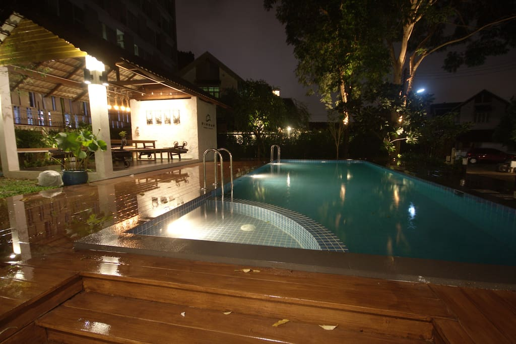 Chiang Mai Unique Luxury Pool Villa in Nimman Area for up to 13 Guests
