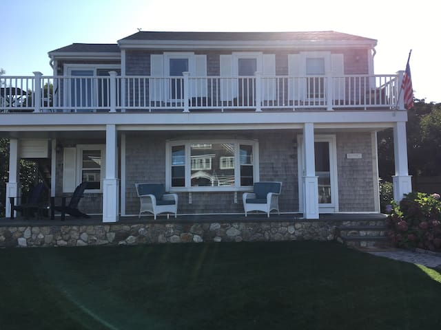 Stunning beach location-close to town and Cape
